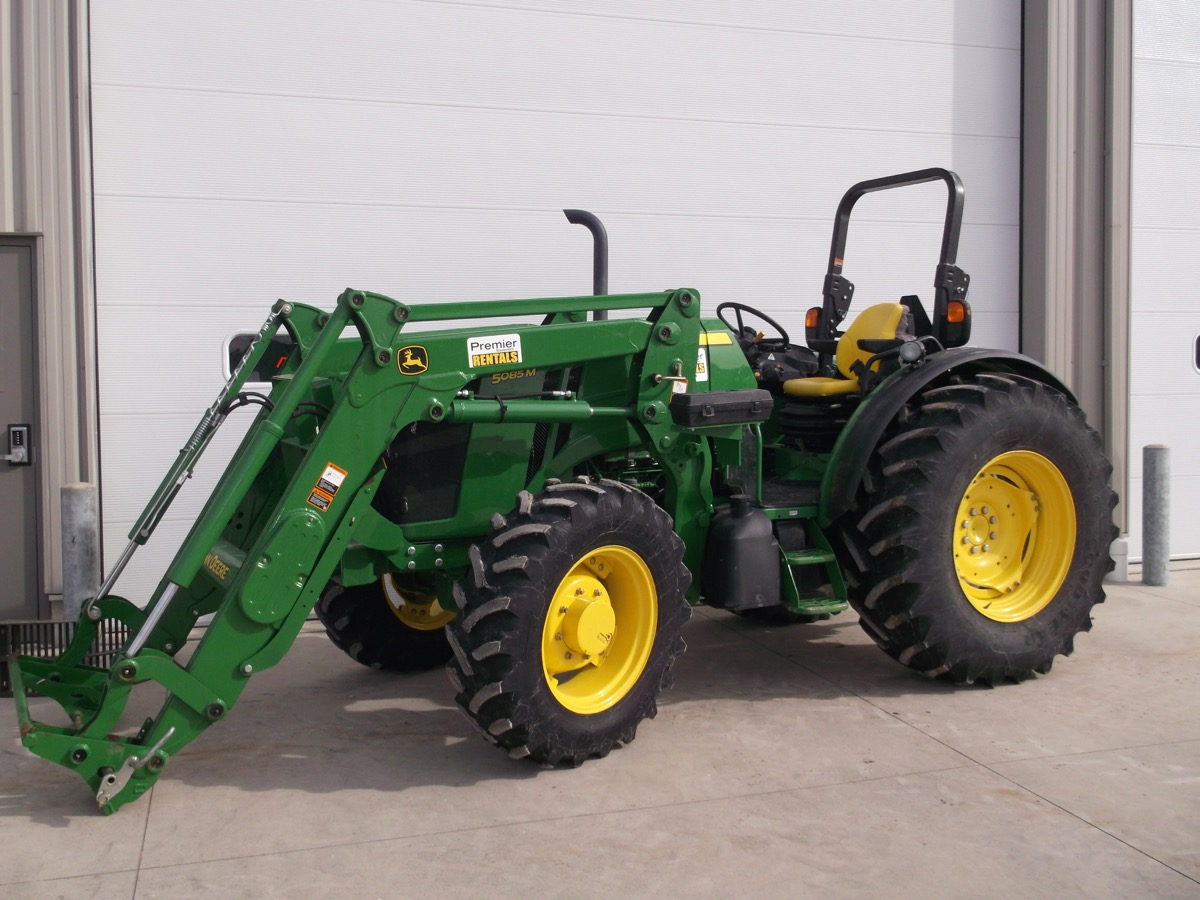 75 Hp Open Station Tractors