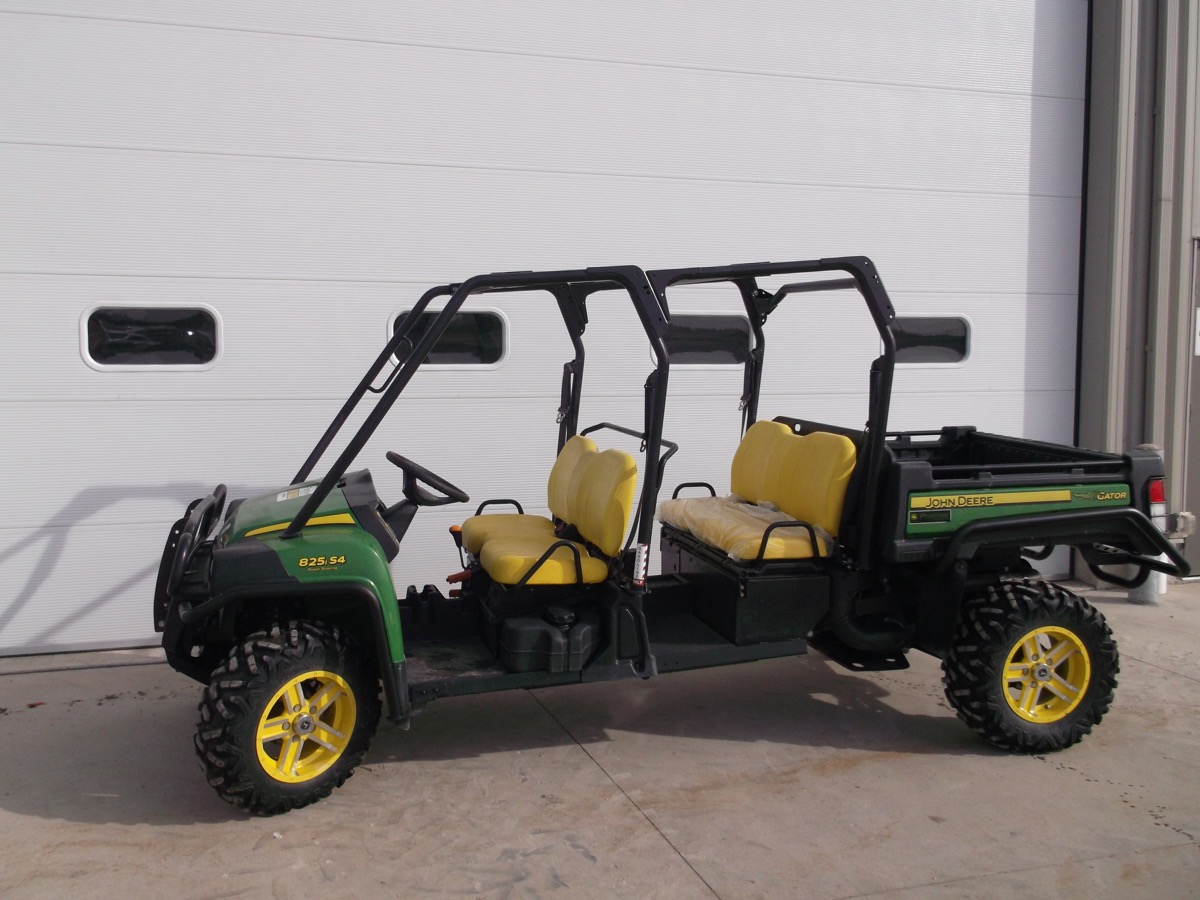 4 Seat Gator Utility Vehicles